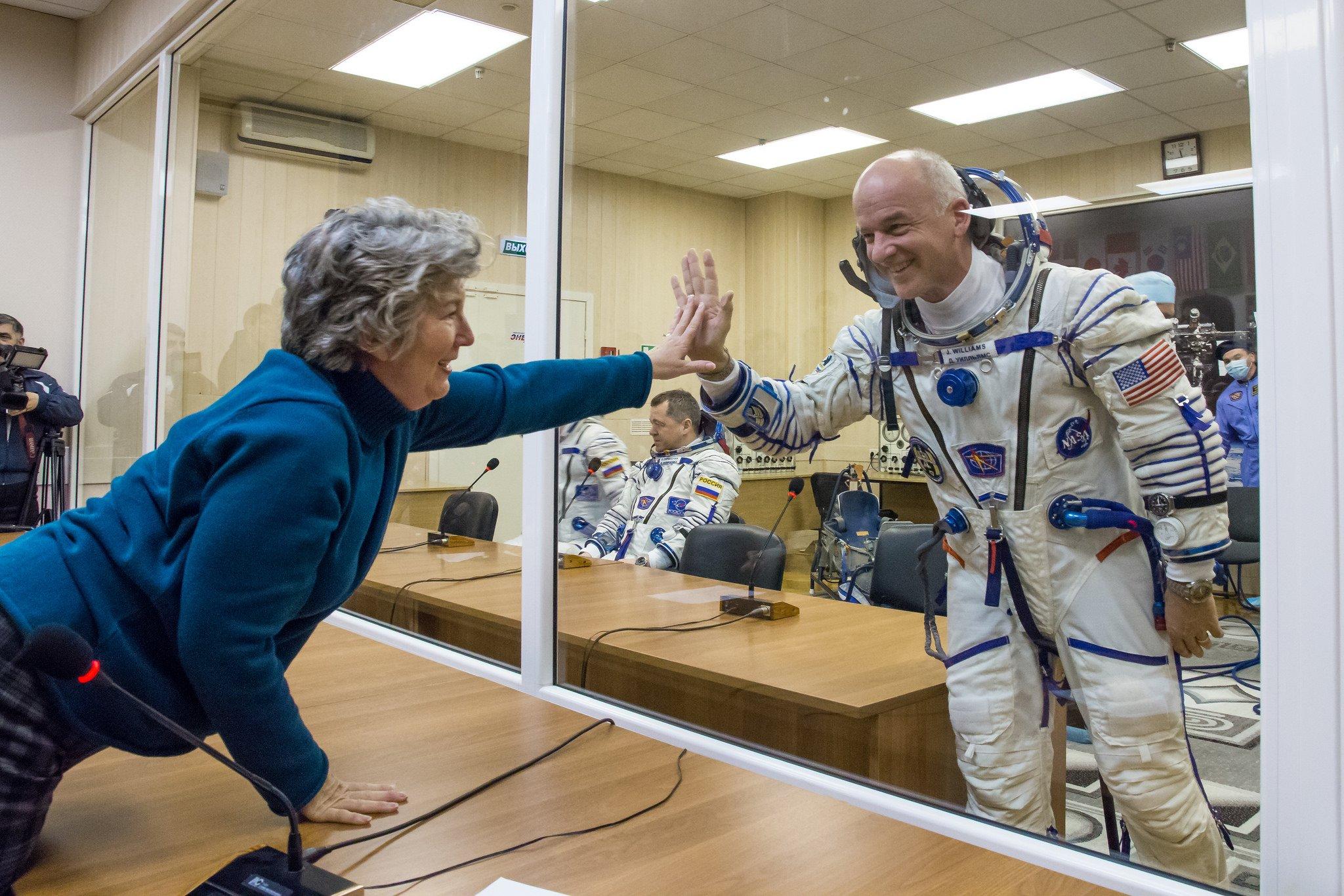 Astronauts quarantine vs. coronavirus quarantine
